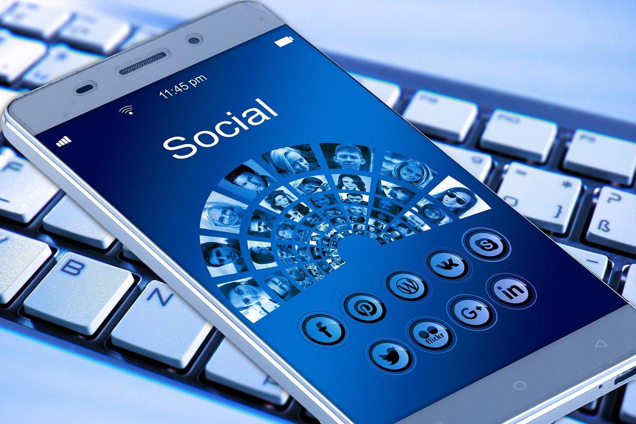 Managing Your Social Media Account in 5 Ways